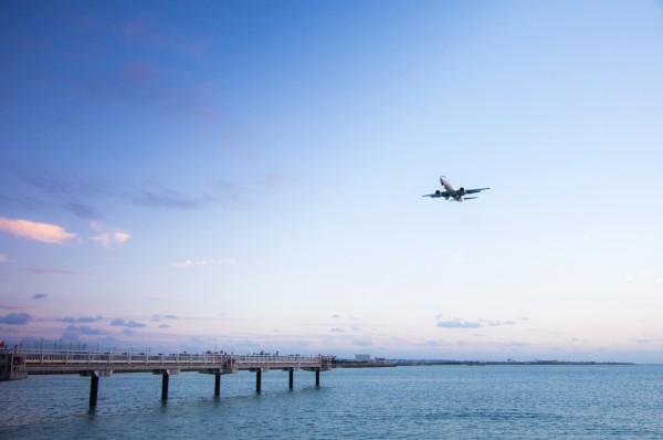 卒業旅行シーズンに安く沖縄に行く方法